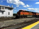 BNSF 7249 and BNSF 4548